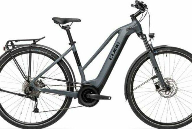 Cube Touring Hybrid 500 Trapeze for cost comparison with Raleigh Array Hybrid Electric Bike