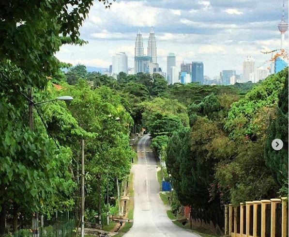 Cycling Routes Beverly Hills Kuala Lumpur is a cool cycling lane for weekend riders.