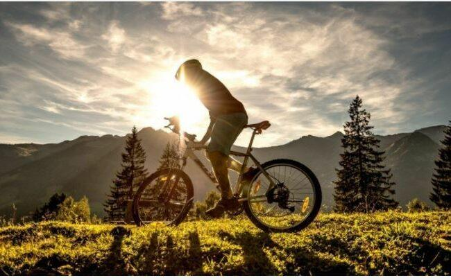 Riding vacation as feature image for 100 miles range electric bike.